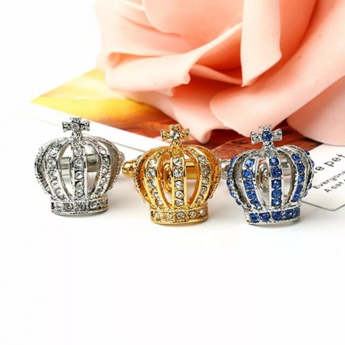 Butoni in forma de coroana