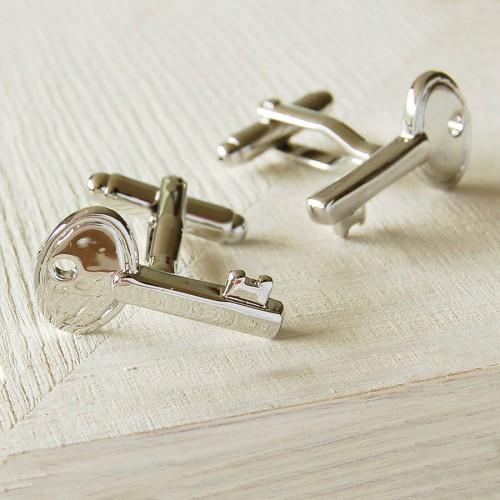 Butoni camasa, in forma de cheie