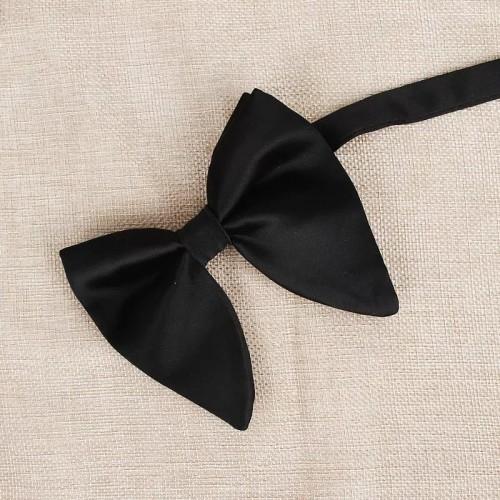 Papion negru cu romburi siclam