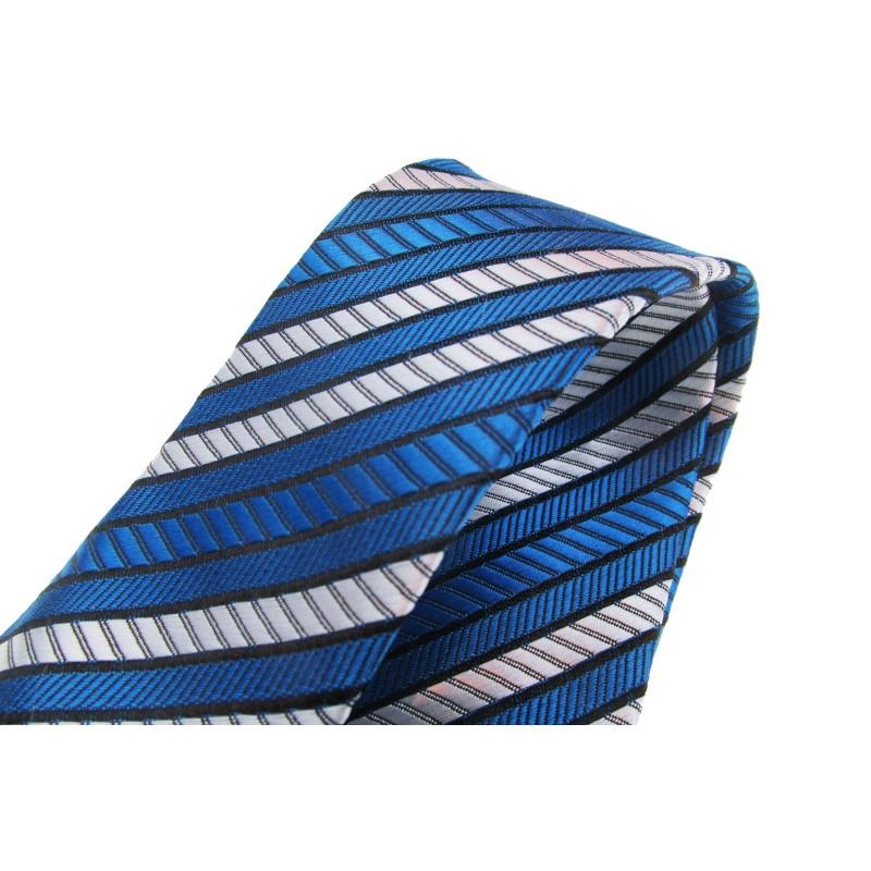 Cravata albastra cu dungi oblice