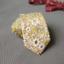Cravata galbena cu floricele