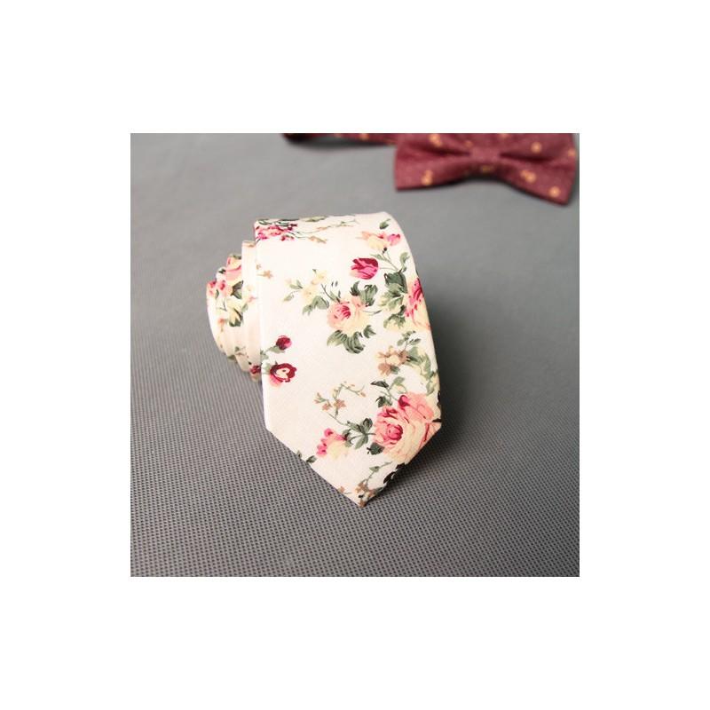 Cravata alba cu floricele