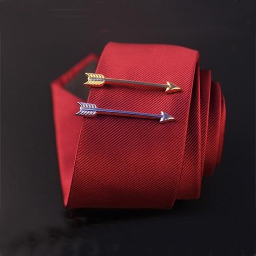 Ac de cravata in forma de sageata