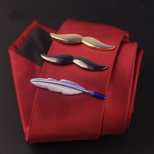 Ac de cravata in forma de pana