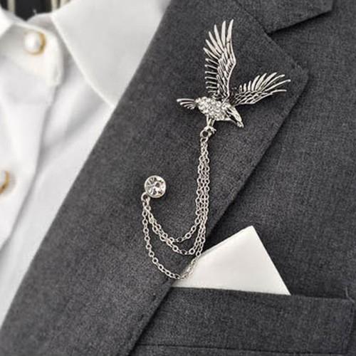 Brosa vultur cu lant si pin